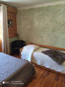 chambre 2 - le vieux café - location de tourisme à Bernex